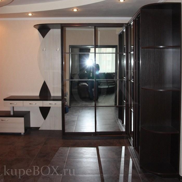 Шкафы с зеркальными дверями