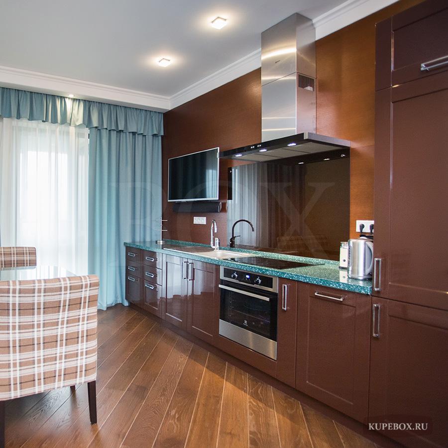 Глянцевая современная кухня