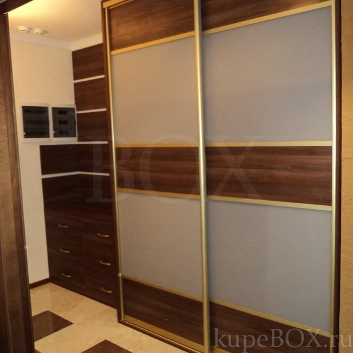 Шкафы с раздвижными дверями